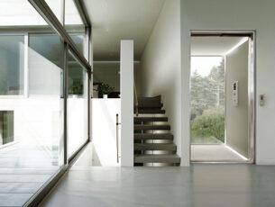 De elektromagnetische K-Motion biedt een laag energieverbruik en een ruimtebesparende installatie.